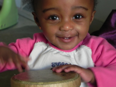 baby_drumming_small